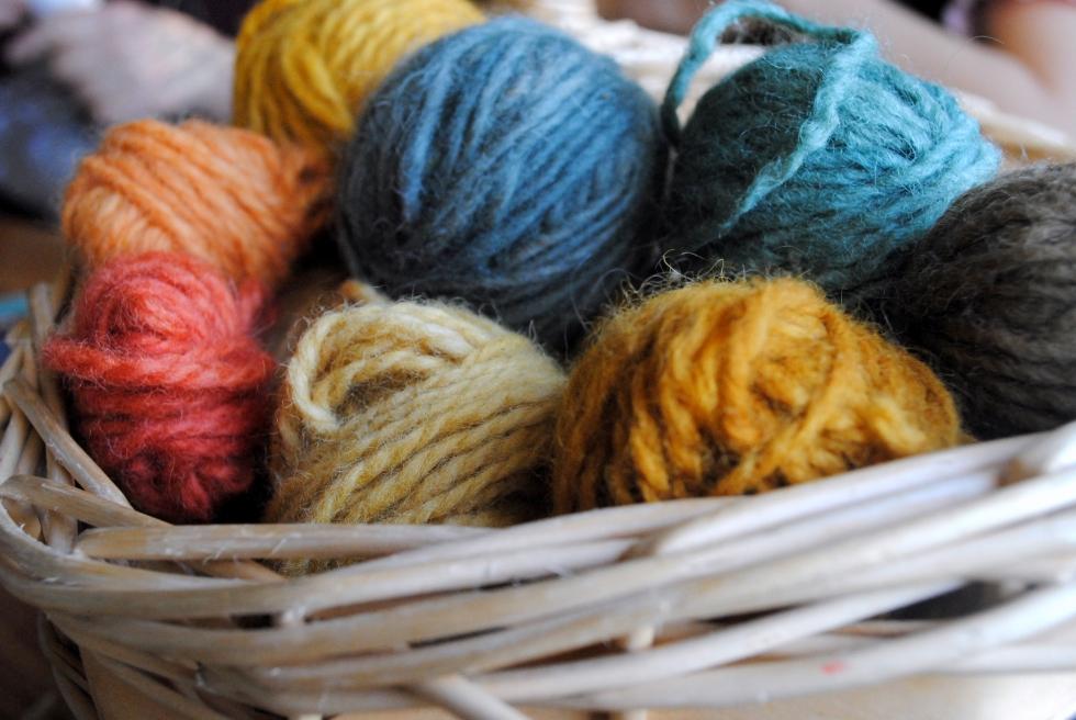 Mushroom-dyed yarn