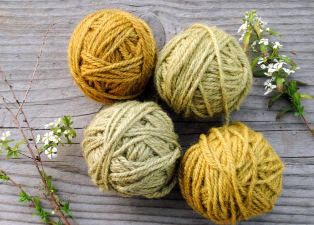 Gray yarn turn shades of yellow and green