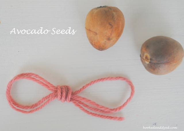 Natural dye with avocado pits